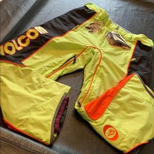 Volcom Mens XL Snow Pants